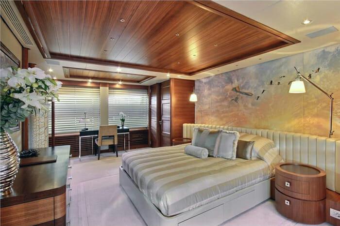 Yacht Balista Master Stateroom
