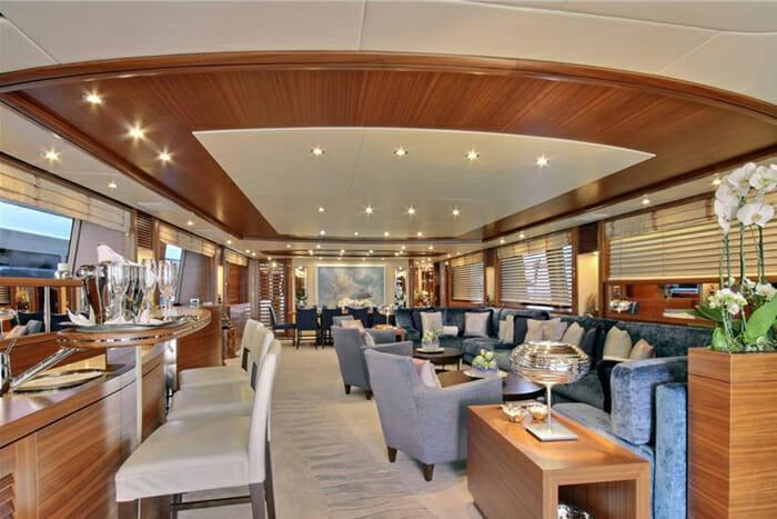 Yacht Balista Salon