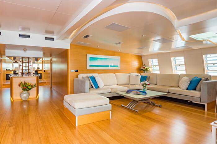 Yacht Bella Vita Salon