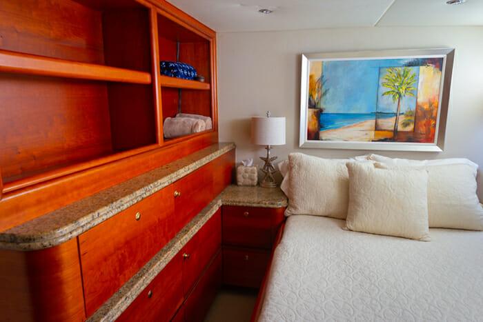 Yacht Bonaparte Guest Cabin 1