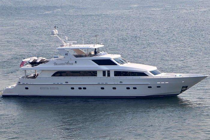 Yacht Brandi Wine main image