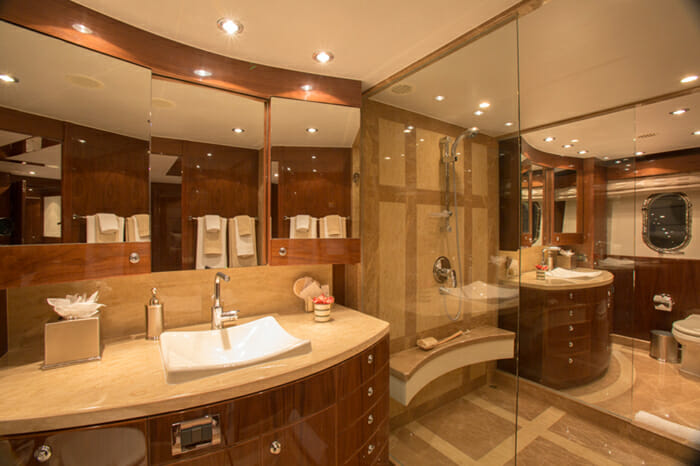 Yacht Carbon Copy Master bath