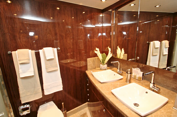 Yacht Carbon Copy VIP Bathroom
