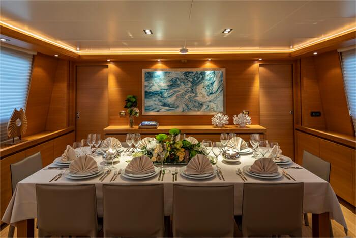 Yacht Celia dining