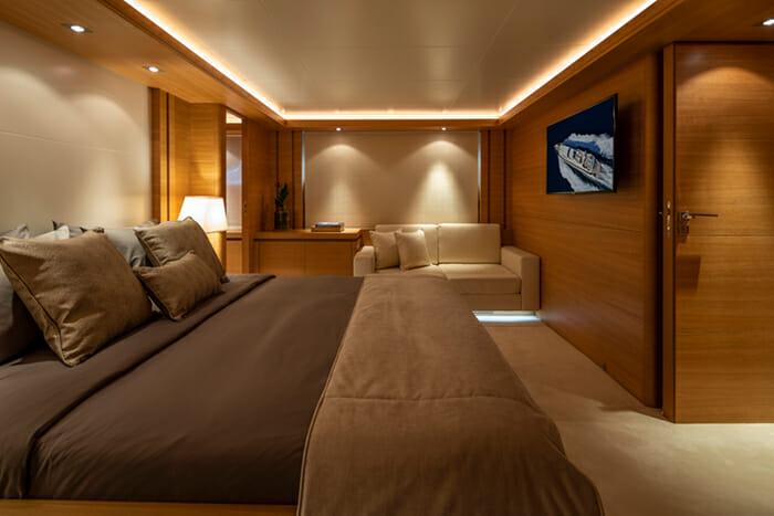 Yacht Celia master cabin