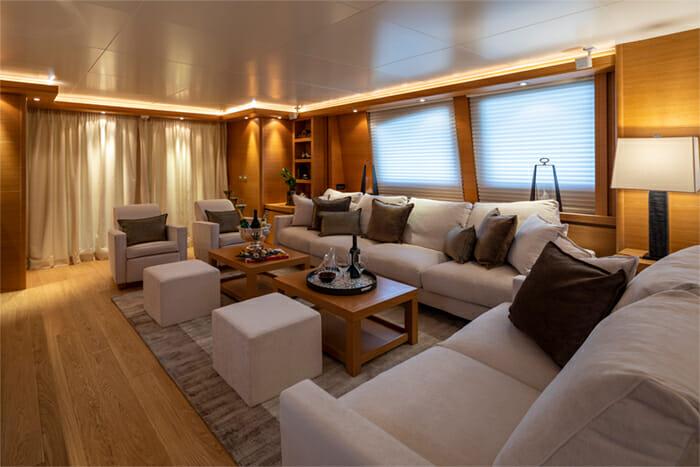 Yacht Celia salon