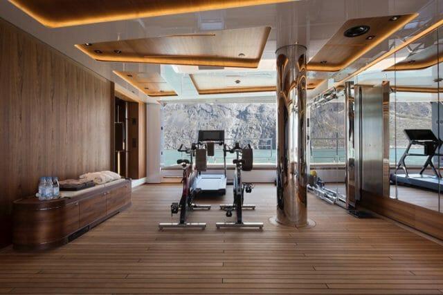 Yacht Cloudbreak Gym