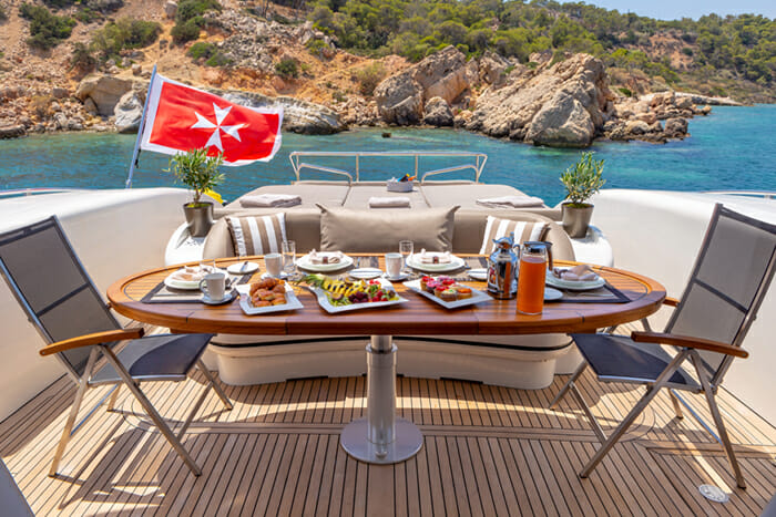 Yacht Cosmos I deck dining