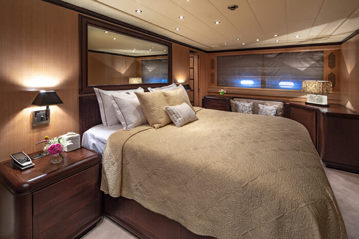 Yacht Cosmos I master cabin