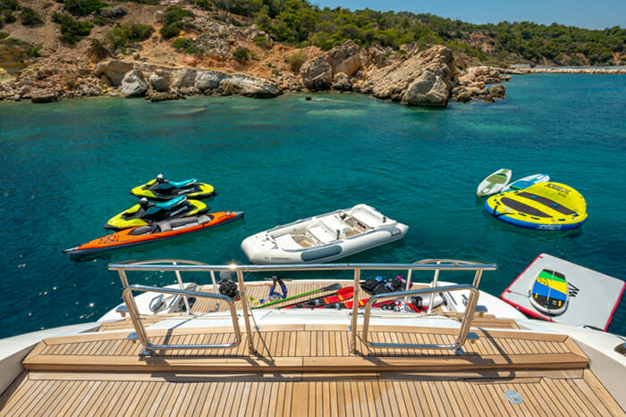 Yacht Cosmos I swim platform and water toys