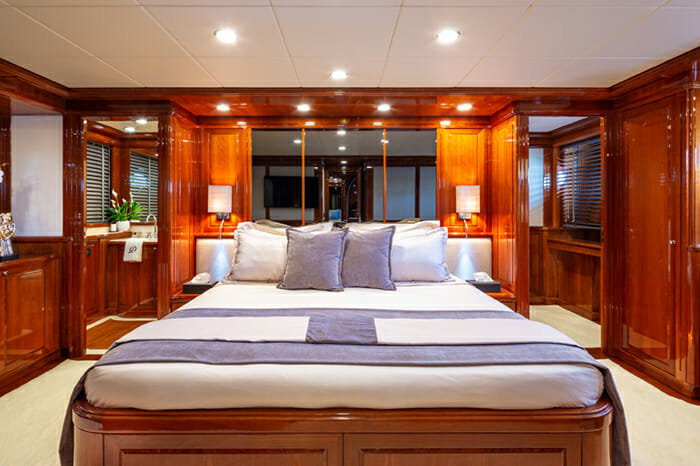 Yacht Divine guest stateroom 1