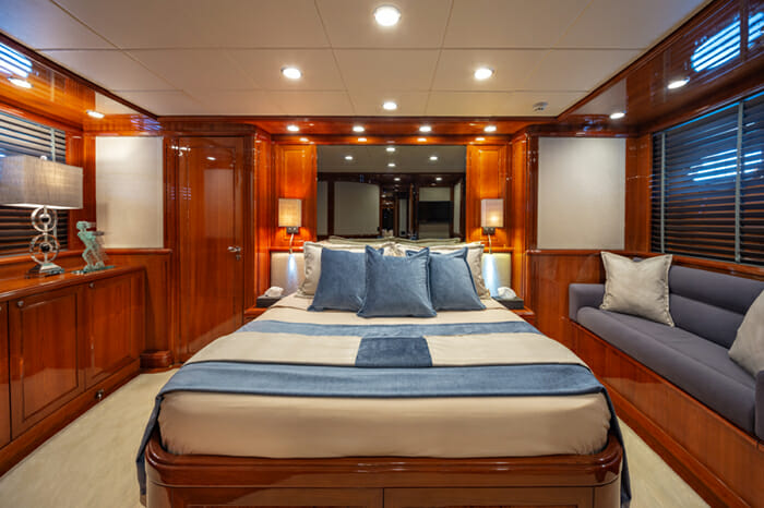 Yacht Divine guest stateroom 2