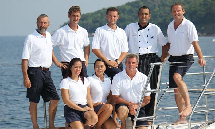Yacht Douce France crew