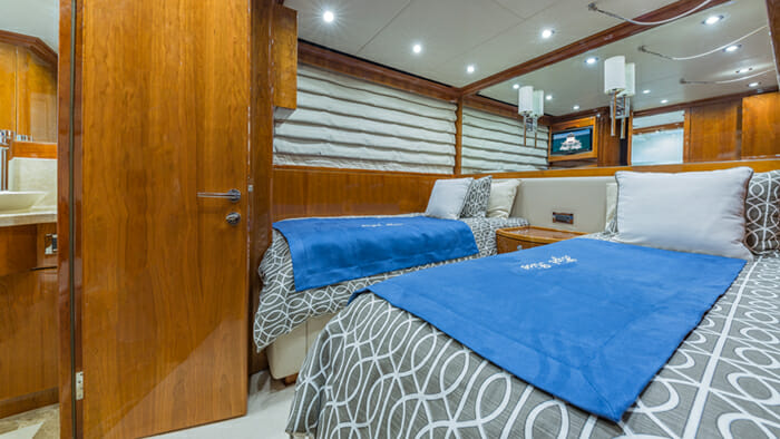 Yacht High Rise convertible cabin 2 set as twin