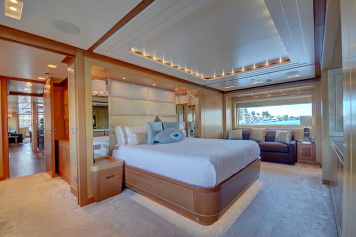 Yacht Kaos Master Cabin