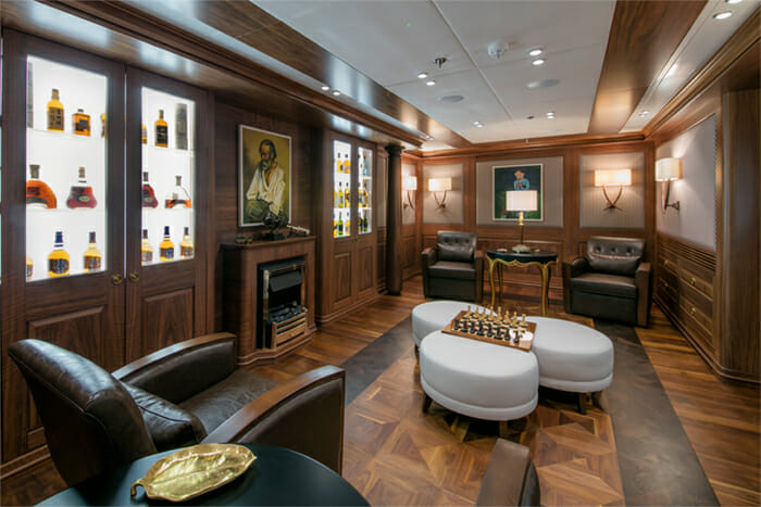 Yacht Katina Whiskey and Cigar Room