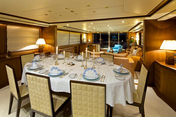 Yacht Lady Ellen Dining