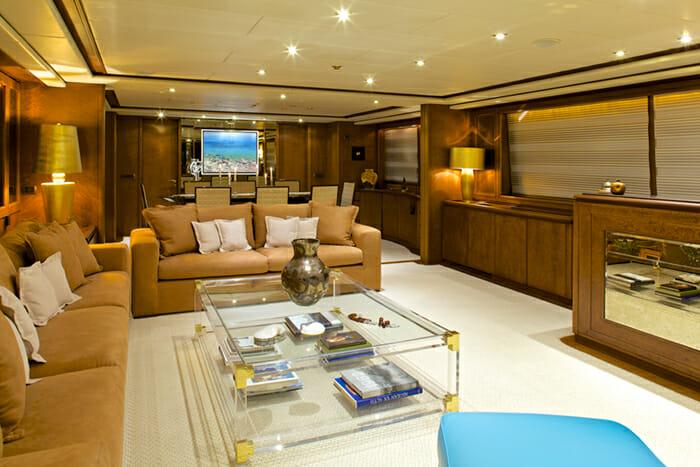 Yacht Lady Ellen Salon