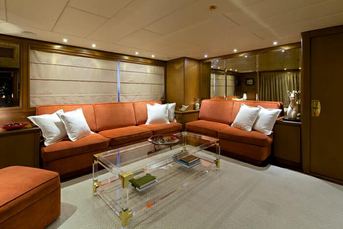 Yacht Lady Ellen Skylounge