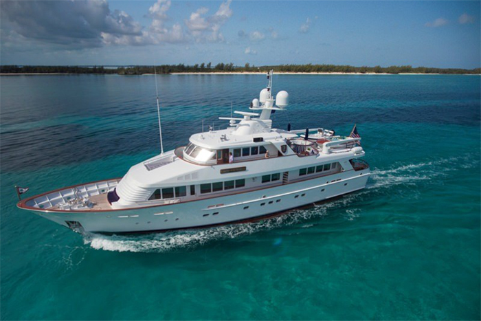 Yacht Lady Victoria