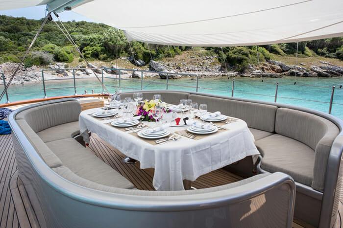 Yacht Le Pietre Deck Dining