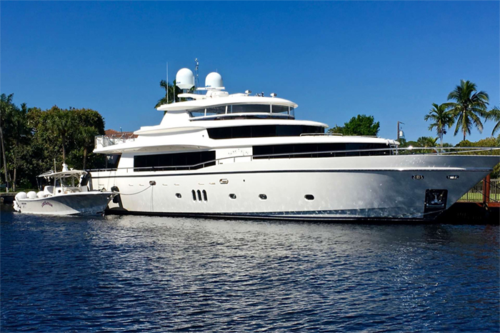Yacht Lone Star
