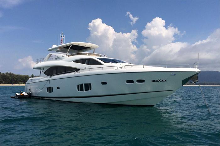Yacht Maxxx