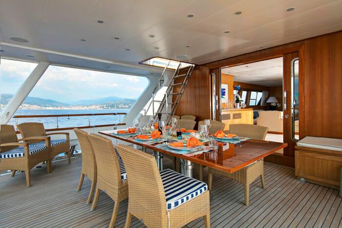 Yacht Nauta Aft deck dining