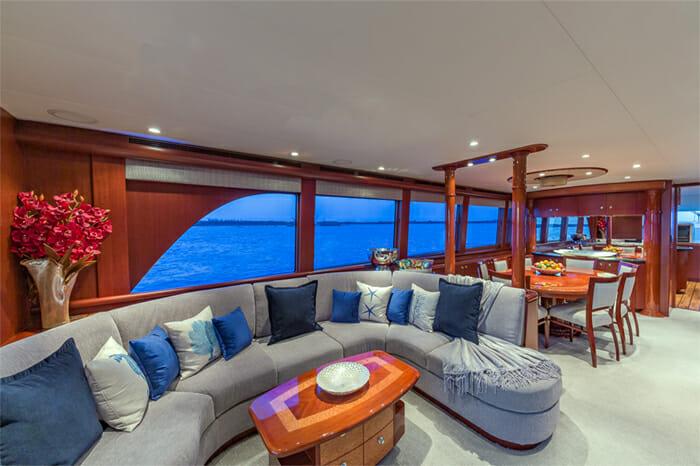 Yacht Oculus salon looking forward