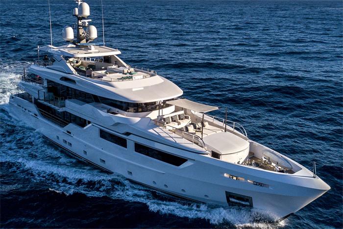 Yacht Petratara