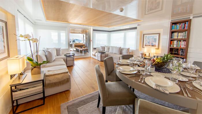 Yacht Preference 19 Salon