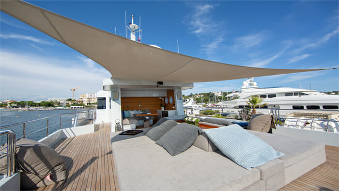 Yacht Preference 19 Sundeck Shade