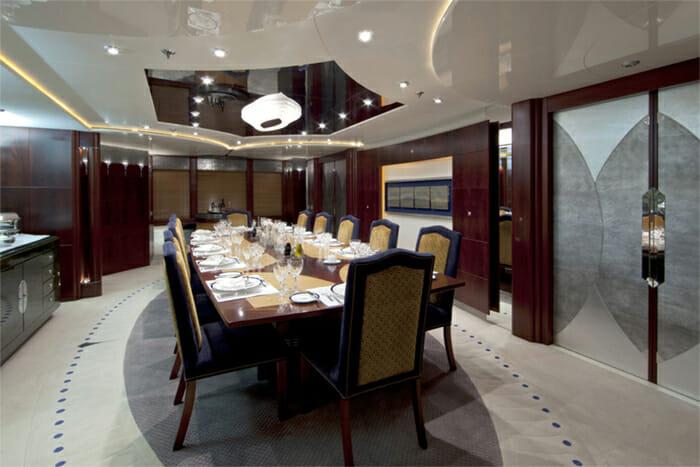 Yacht Sarah Dining