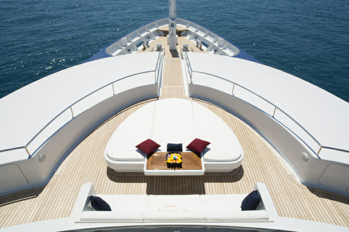 Yacht Sarah Foredeck seating