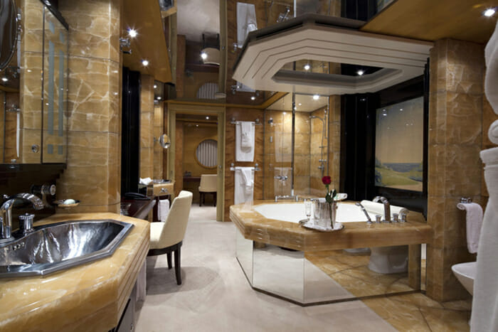 Yacht Sarah Master Bathroom b