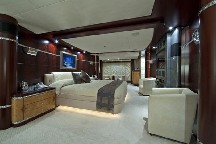Yacht Sarah Master stateroom