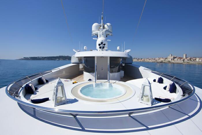 Yacht Sarah Sundeck Jacuzzi