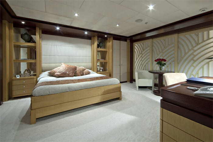 Yacht Sarah VIP Stateroom 1