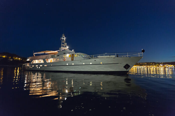 Yacht Shaha profile at night