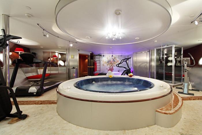Yacht Sherakhan Gym