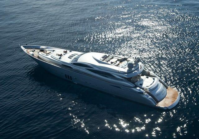Yacht Shooting Star