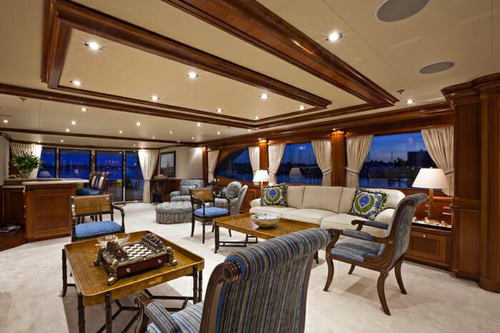 Yacht TCB Salon
