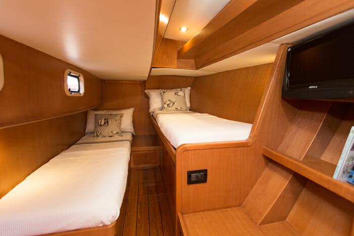Yol Twin Cabin 1
