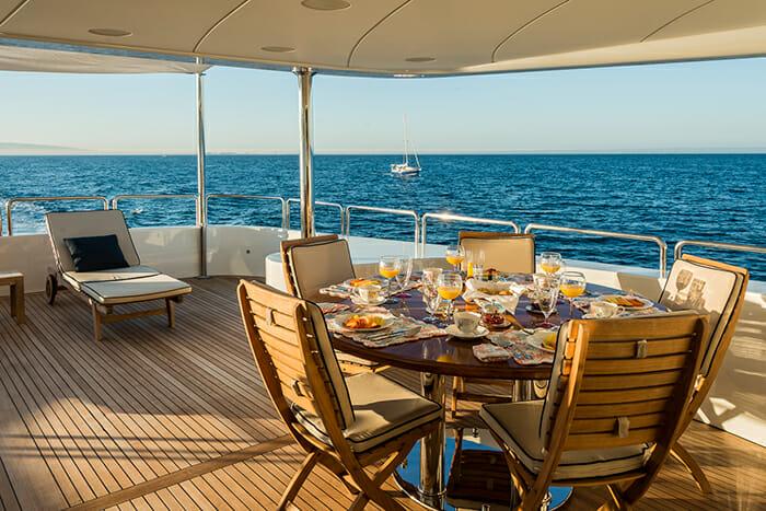 Albatross bridge deck dining