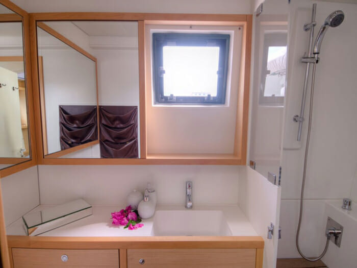 Altesse guest bathroom
