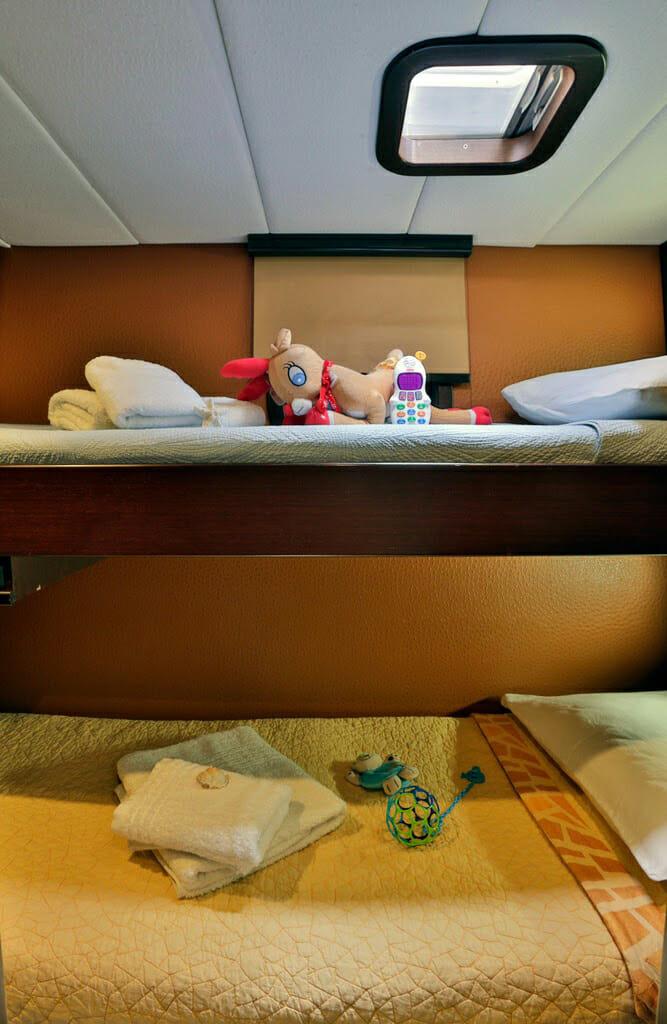 Anassa bunk cabin