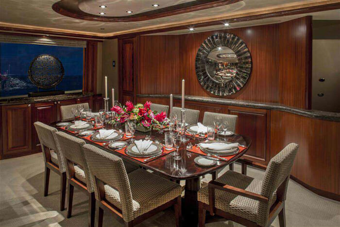 Antares dining
