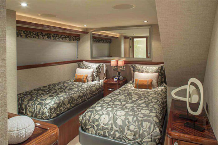 Antares twin cabin