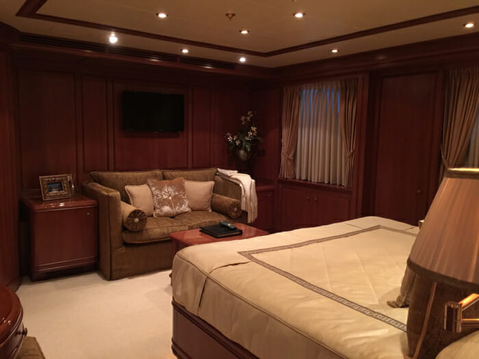 Apogee guest cabin