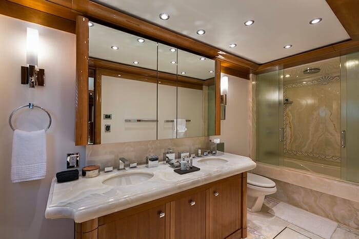 Aquavita guest bathroom